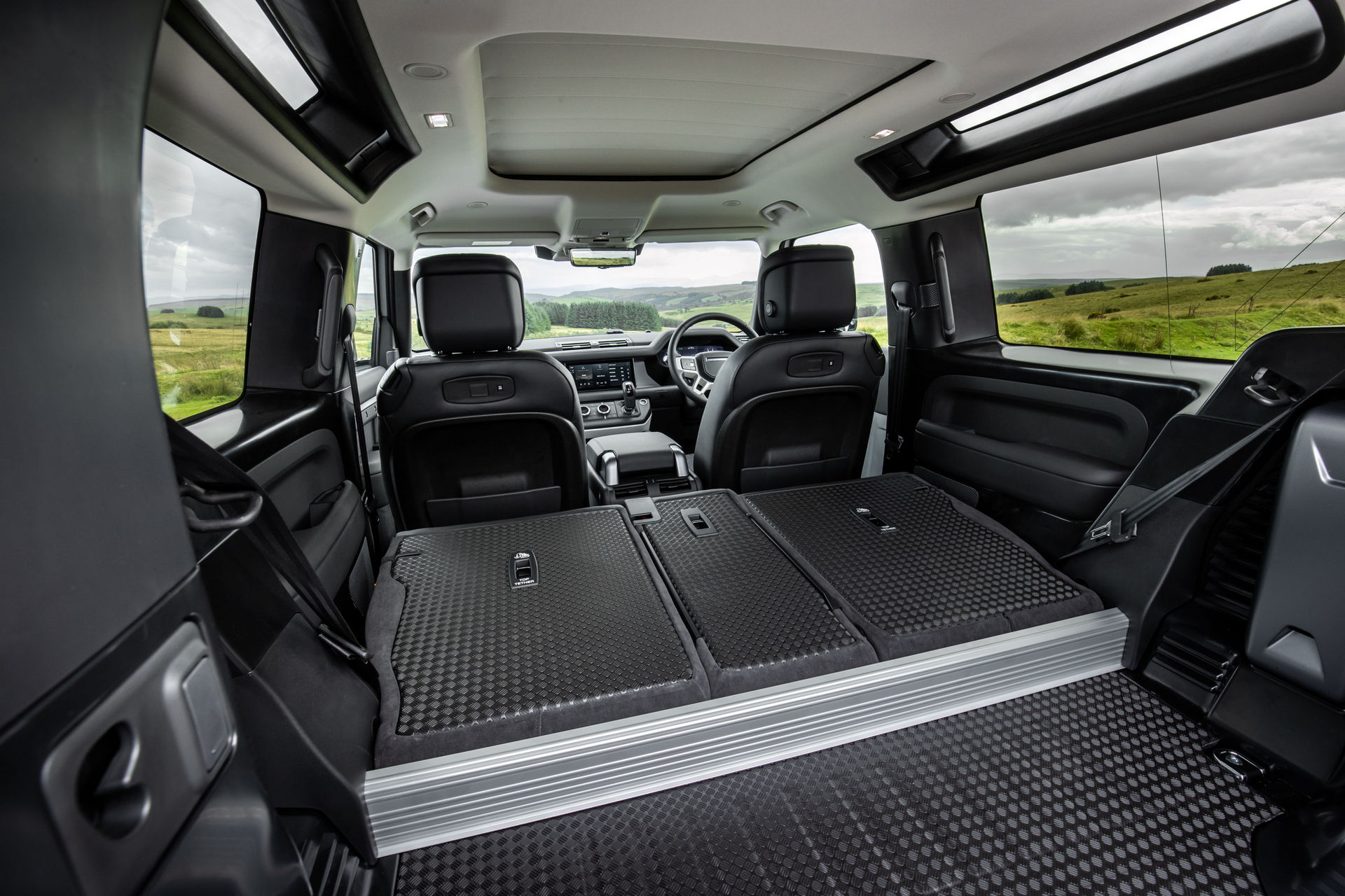 2021-Land-Rover-Defender-41