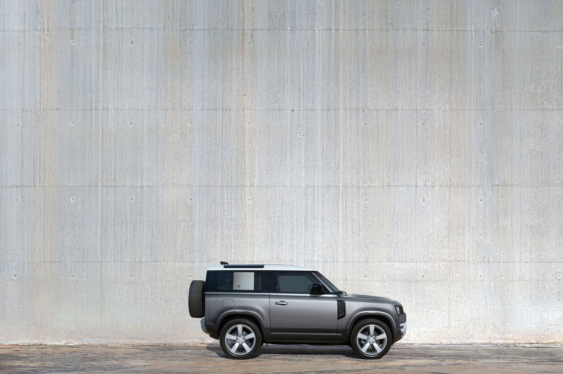 2021-Land-Rover-Defender-55