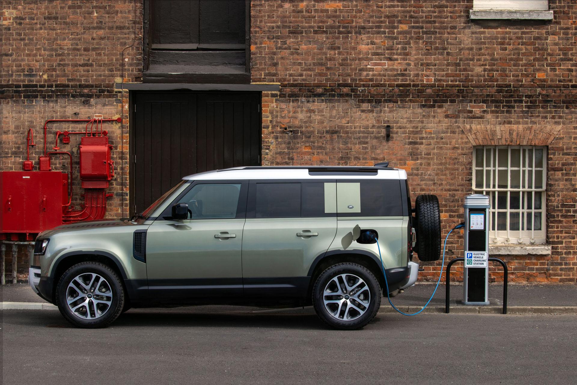 2021-Land-Rover-Defender-63