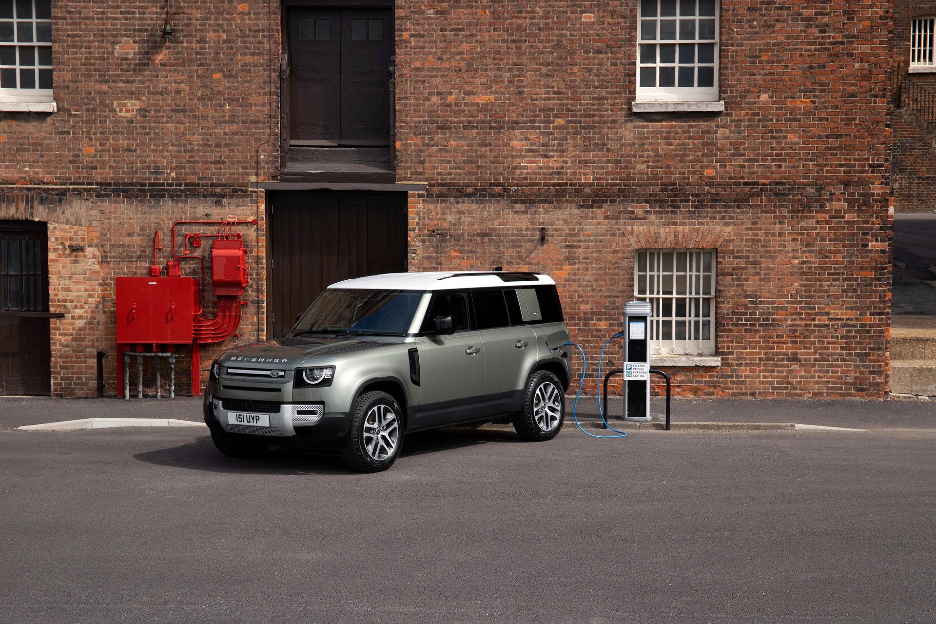 2021-Land-Rover-Defender-66