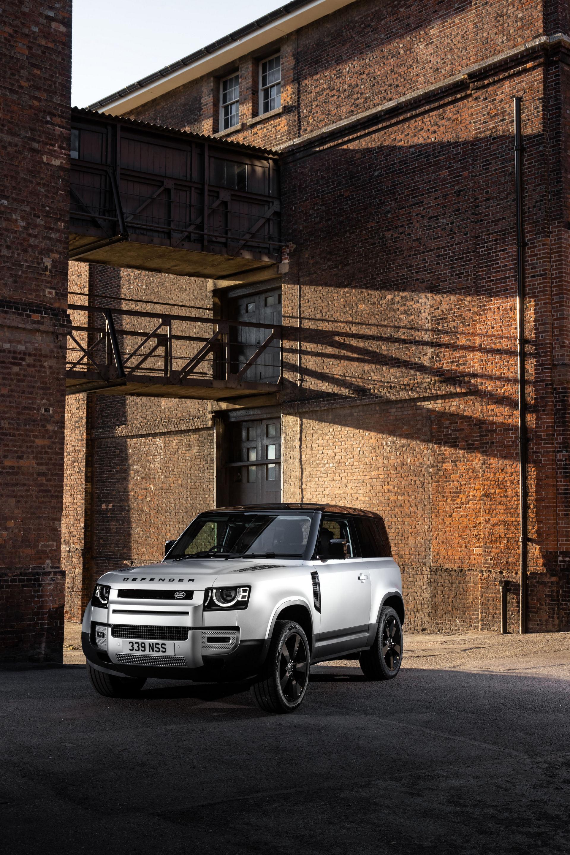 2021-Land-Rover-Defender-7