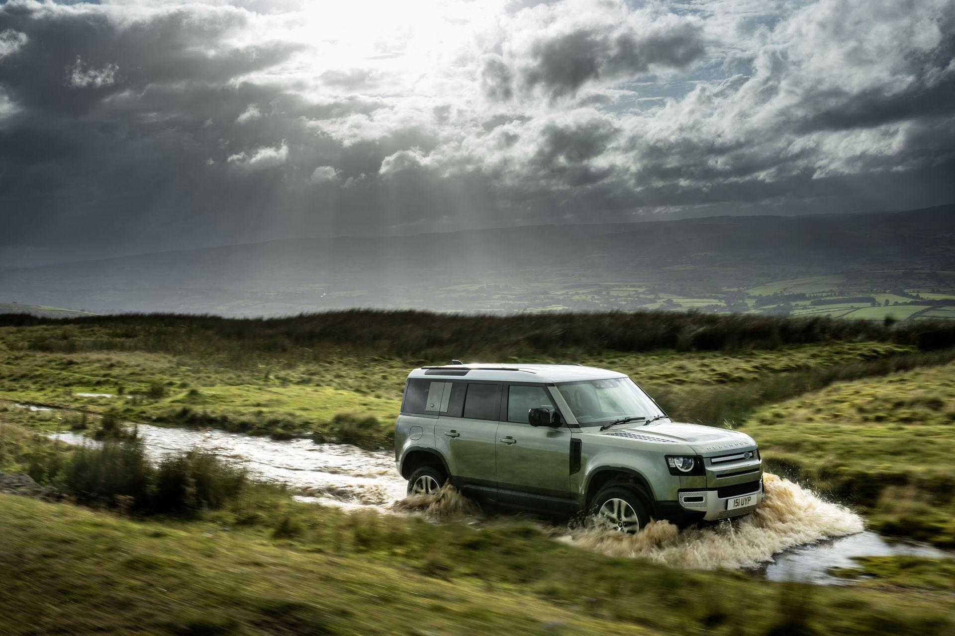 2021-Land-Rover-Defender-70