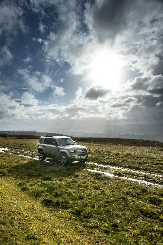 2021-Land-Rover-Defender-71