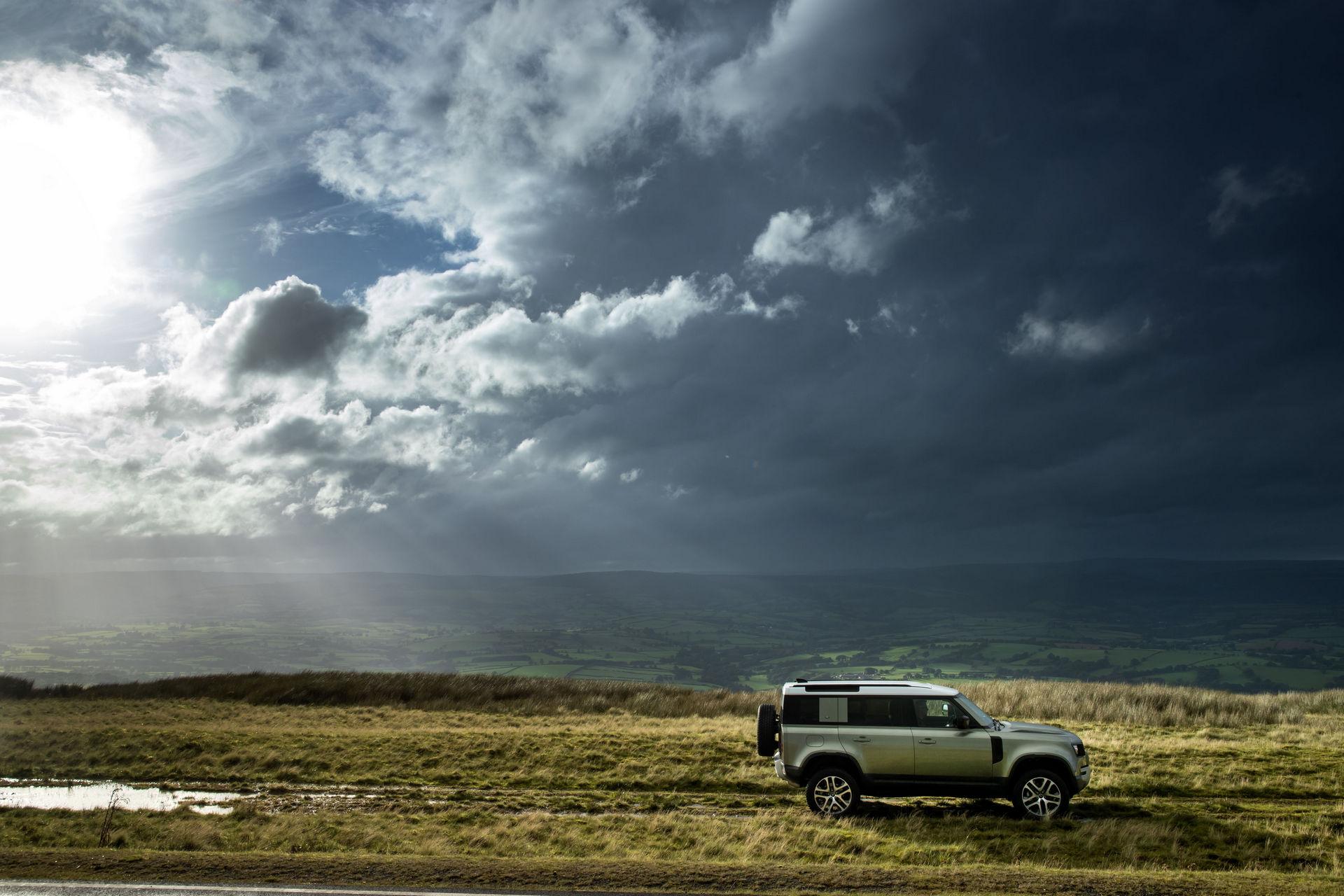 2021-Land-Rover-Defender-72