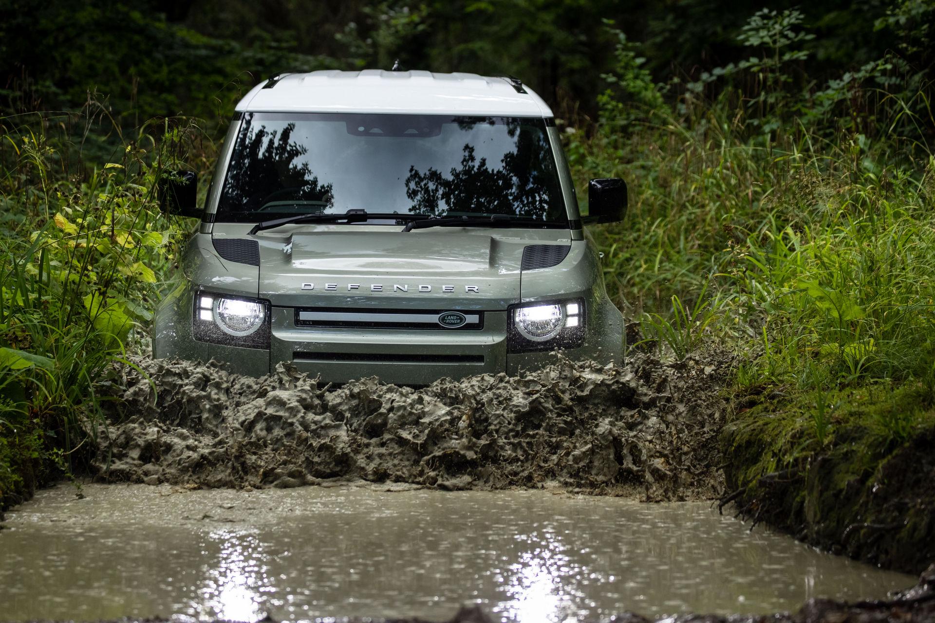 2021-Land-Rover-Defender-78