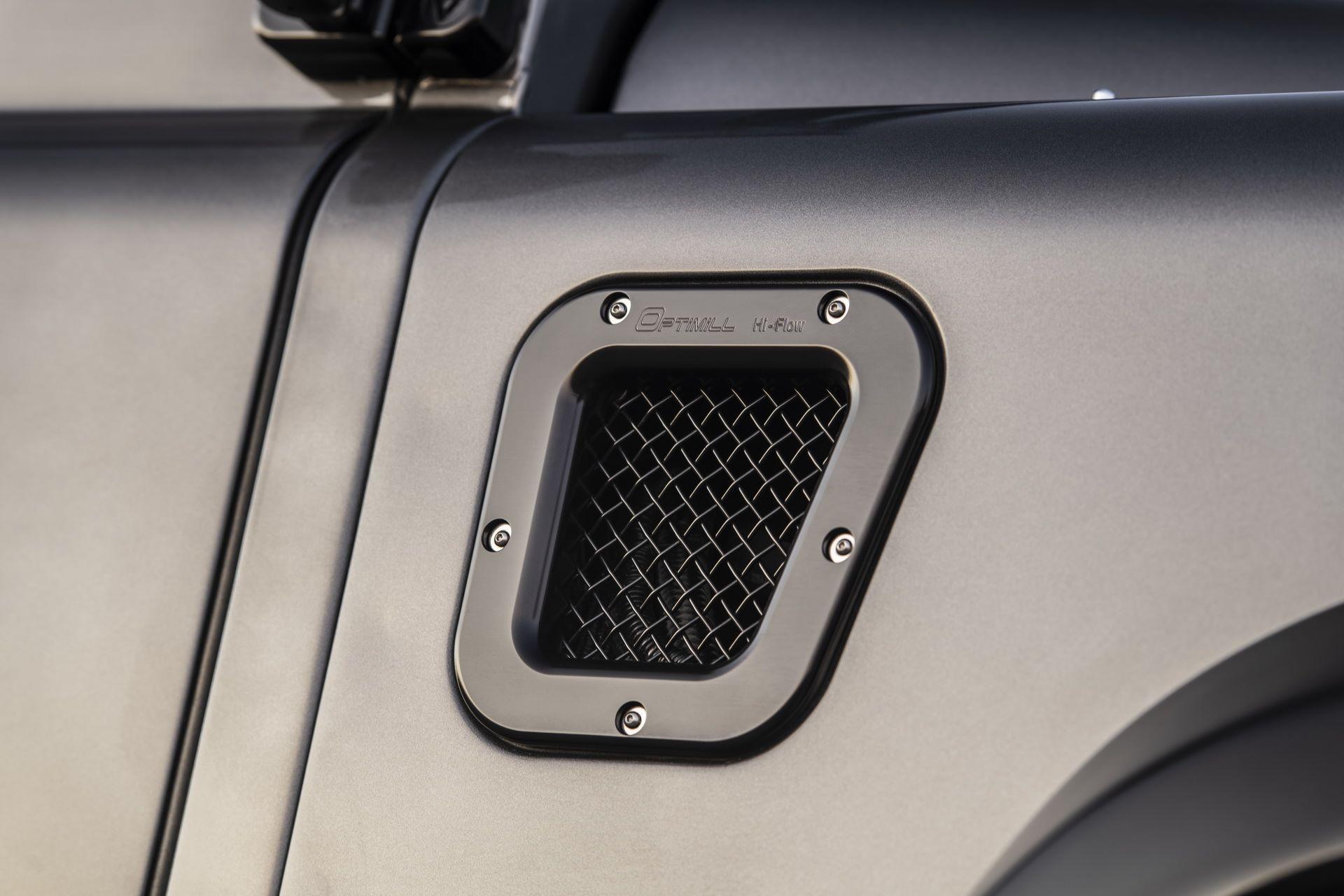 Land-Rover-Defender-650-Himalaya-10