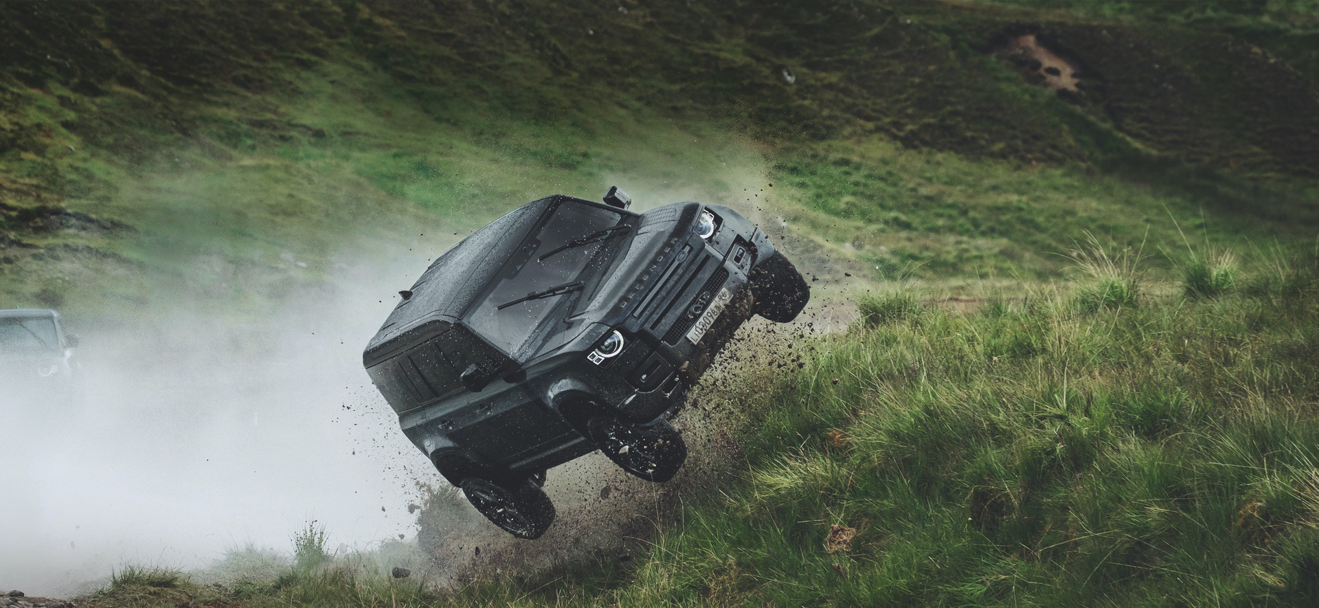 Land_Rover_Defender_No_Time_To_Die_0000