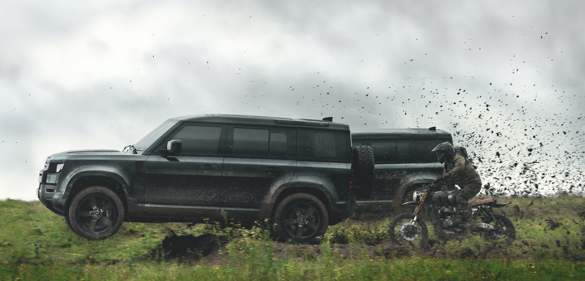 Land_Rover_Defender_No_Time_To_Die_0002