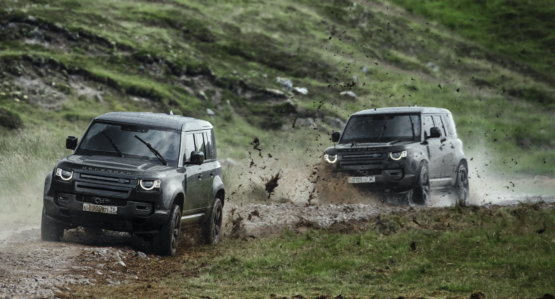 Land_Rover_Defender_No_Time_To_Die_0006