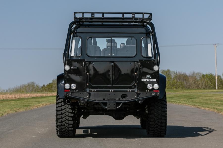 land-rover-defender-svx-james-bond-spectre0003