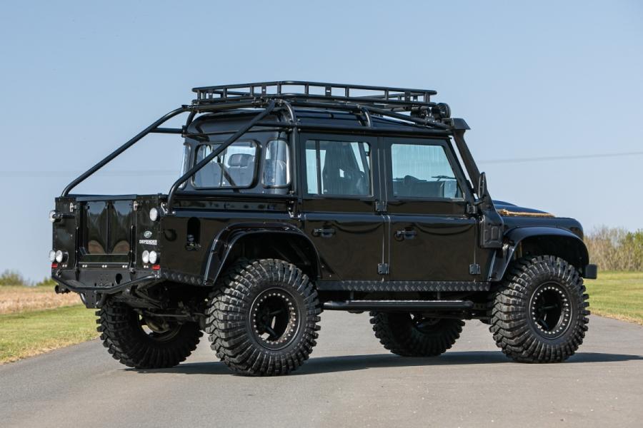 land-rover-defender-svx-james-bond-spectre0004
