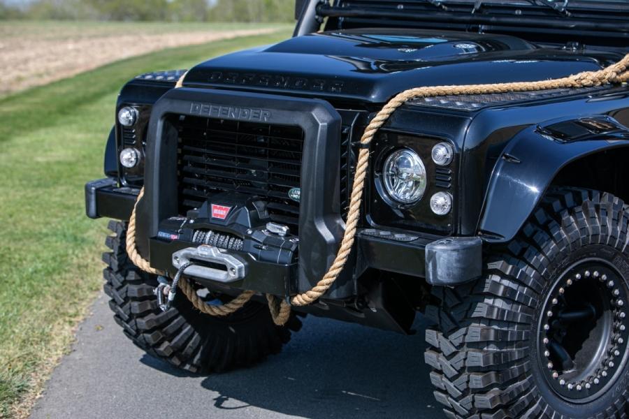 land-rover-defender-svx-james-bond-spectre0017