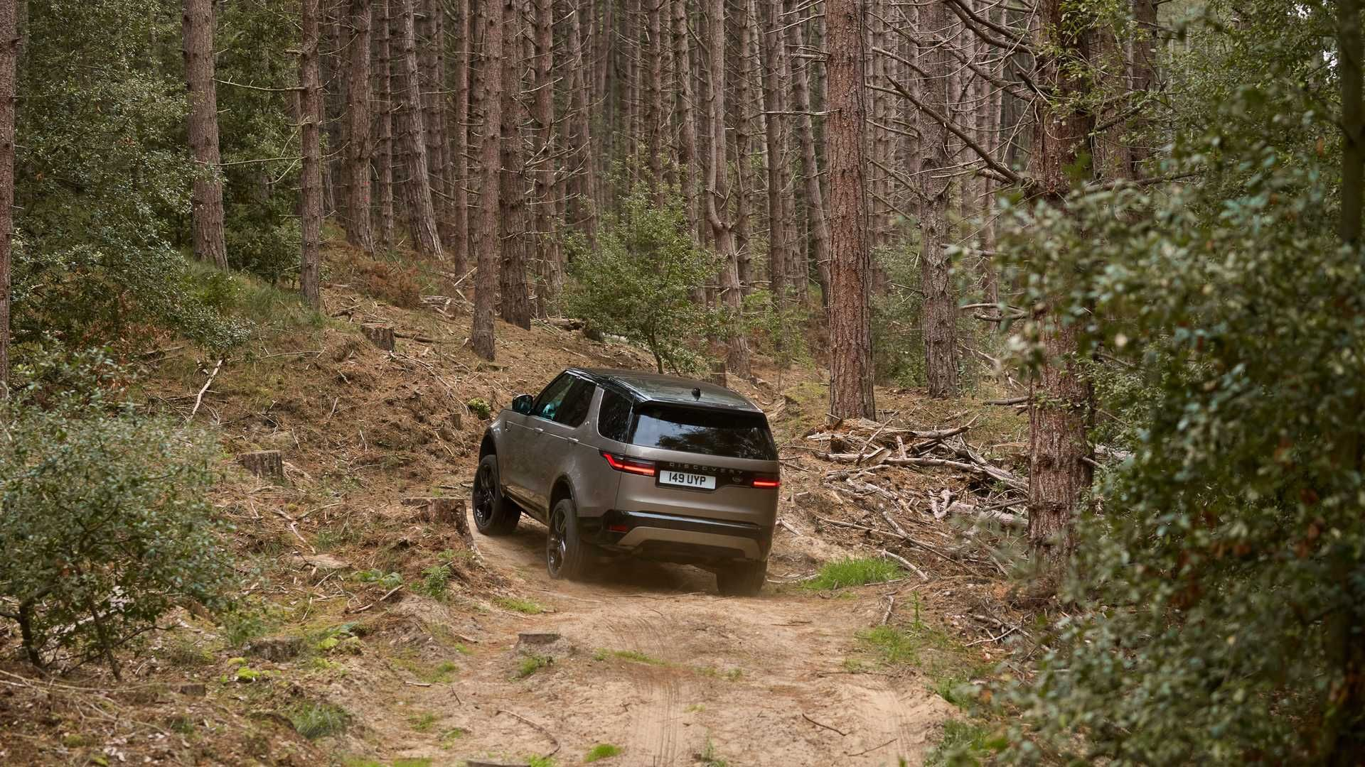 1_2021-Land-Rover-Discovery-44