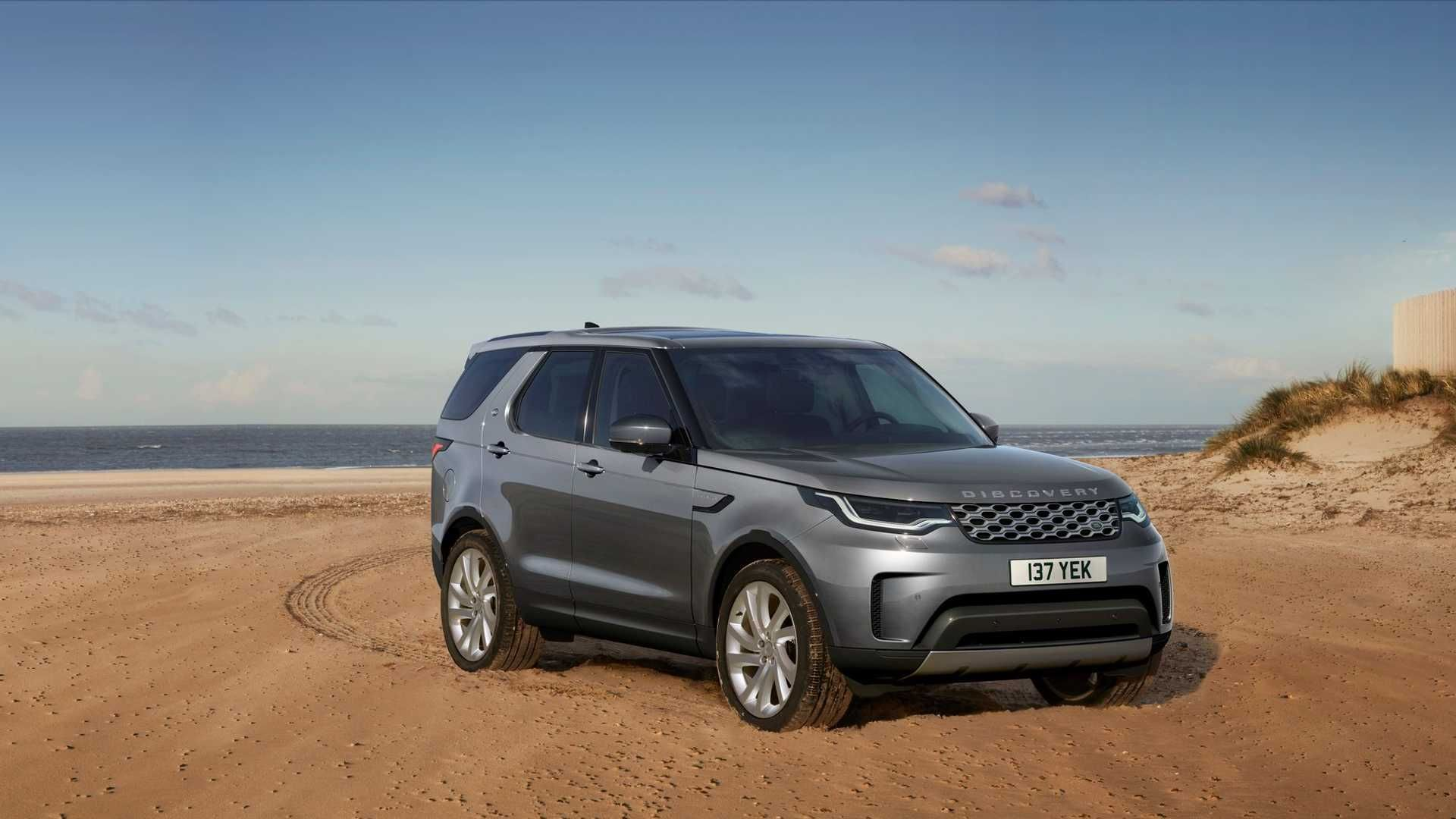 2021-Land-Rover-Discovery-1
