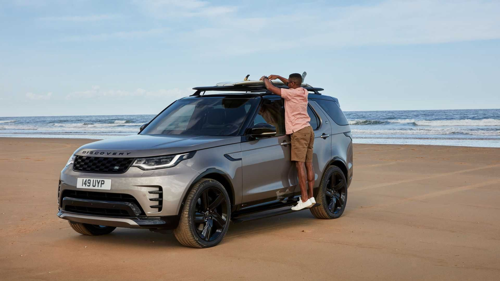 2021-Land-Rover-Discovery-14