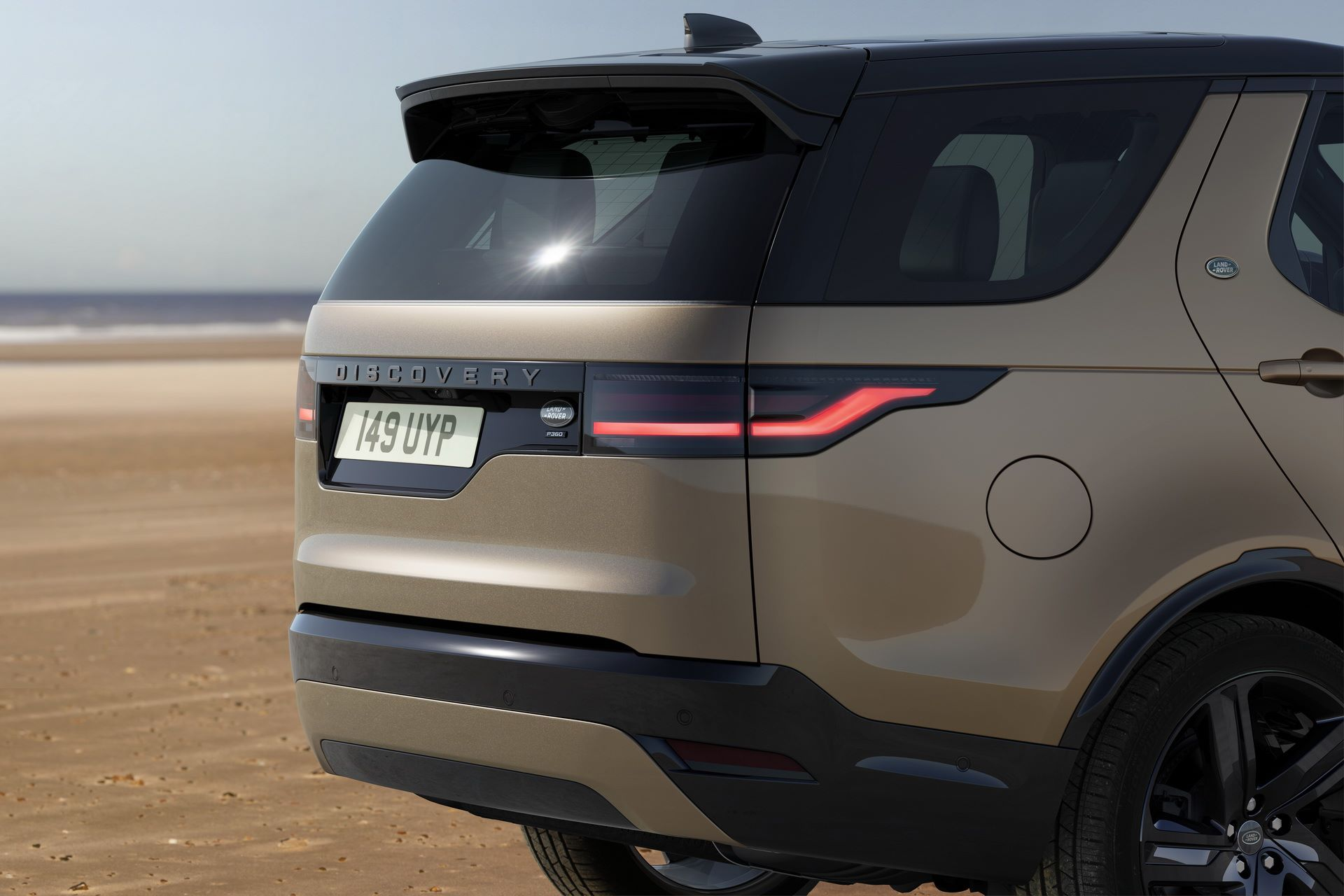 2021-Land-Rover-Discovery-16-1