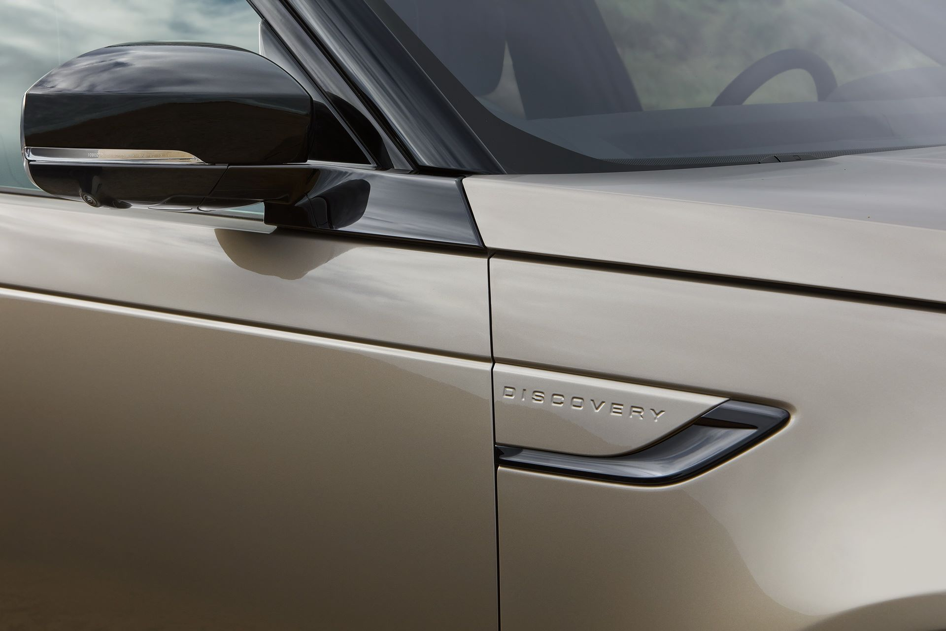 2021-Land-Rover-Discovery-17-1