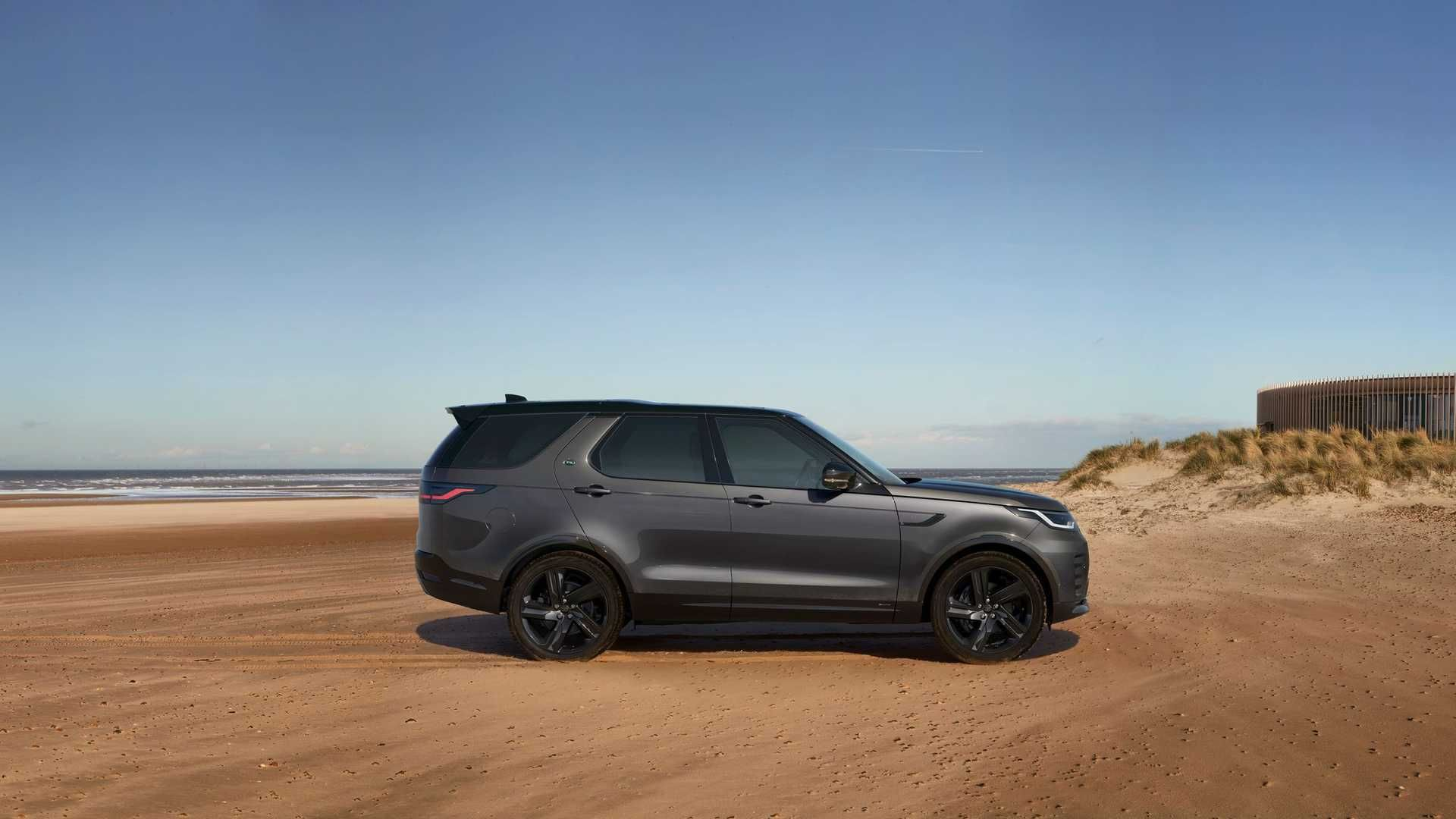 2021-Land-Rover-Discovery-17