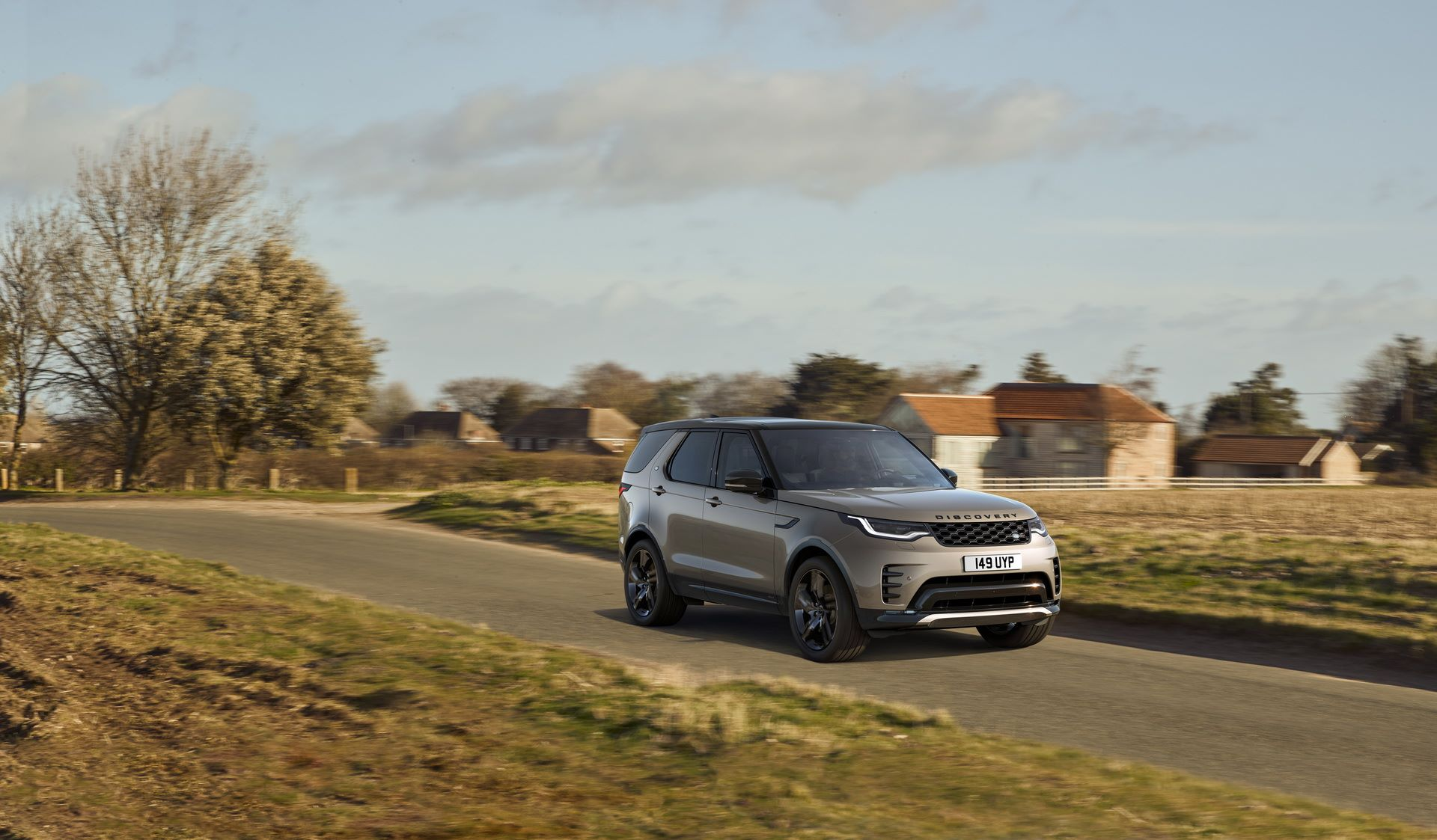 2021-Land-Rover-Discovery-22-1
