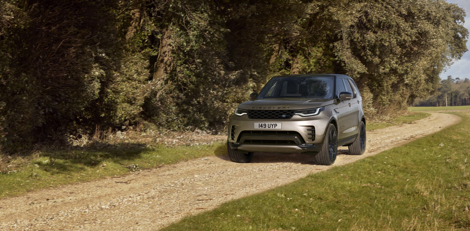 2021-Land-Rover-Discovery-24-1