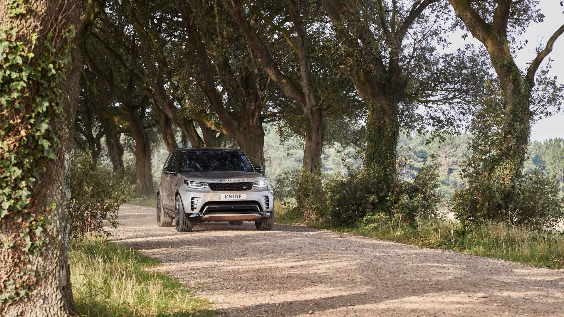 2021-Land-Rover-Discovery-24