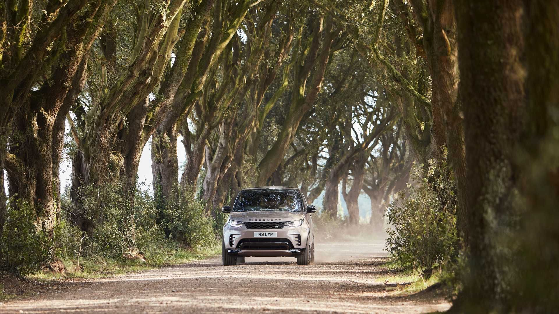 2021-Land-Rover-Discovery-25