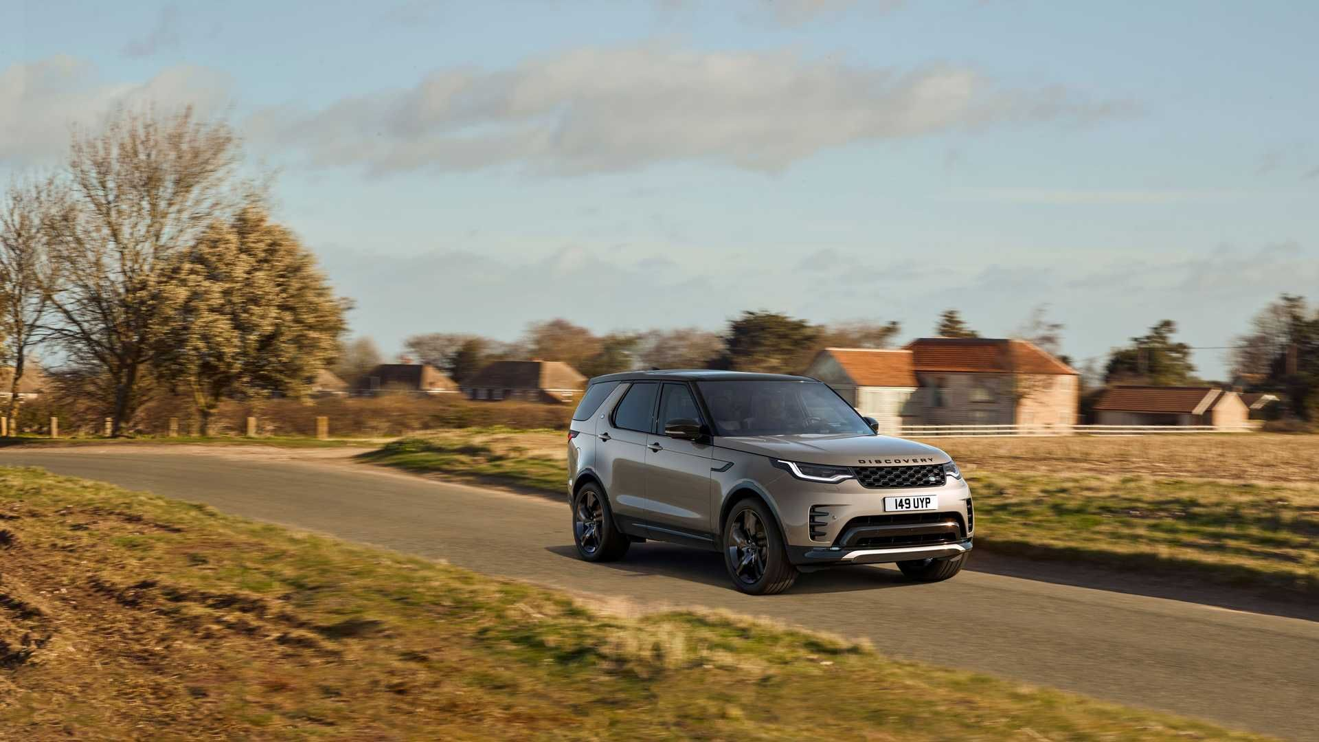2021-Land-Rover-Discovery-26