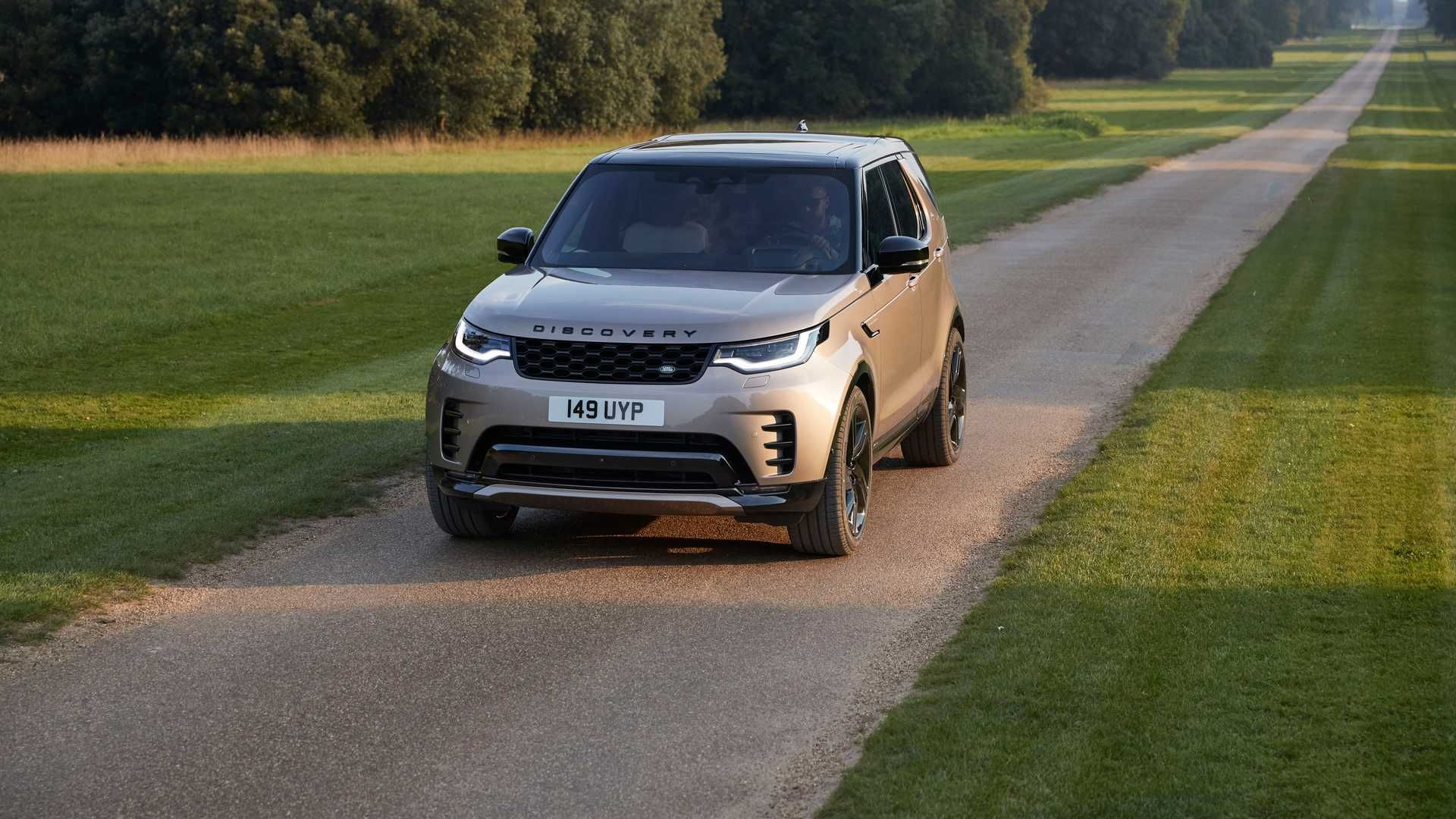 2021-Land-Rover-Discovery-28