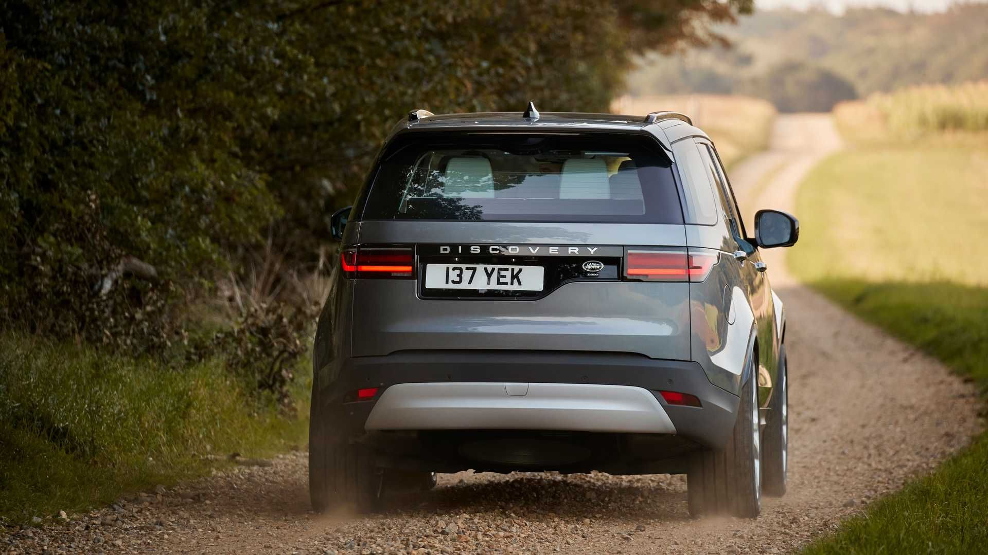 2021-Land-Rover-Discovery-3