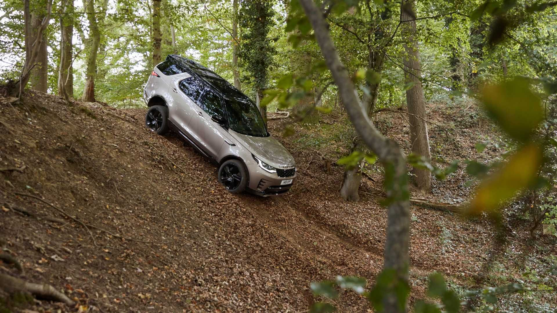 2021-Land-Rover-Discovery-30