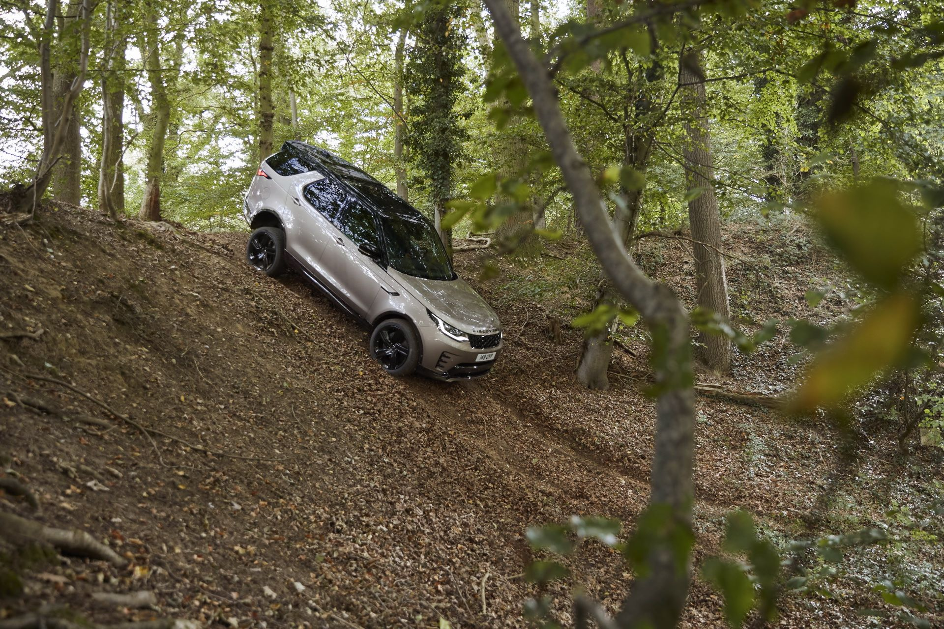 2021-Land-Rover-Discovery-31-1