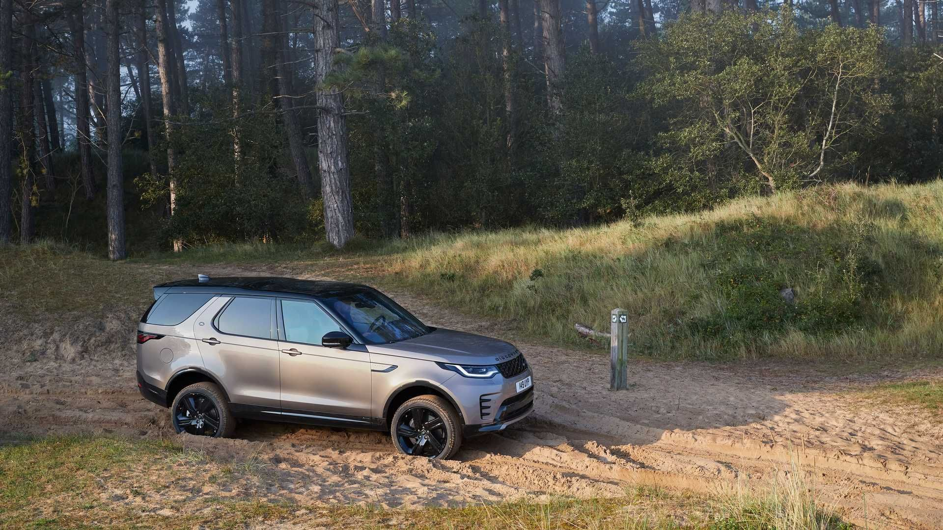 2021-Land-Rover-Discovery-31