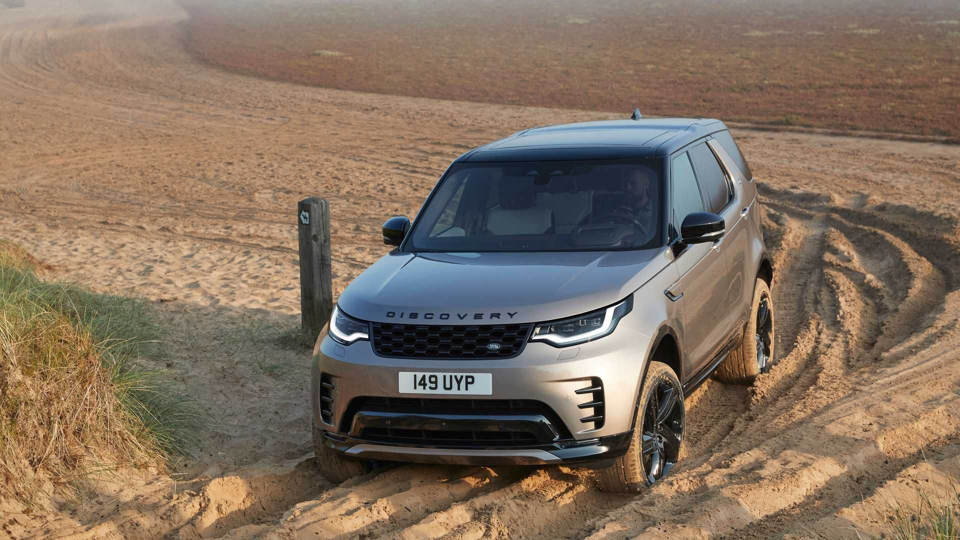 2021-Land-Rover-Discovery-32