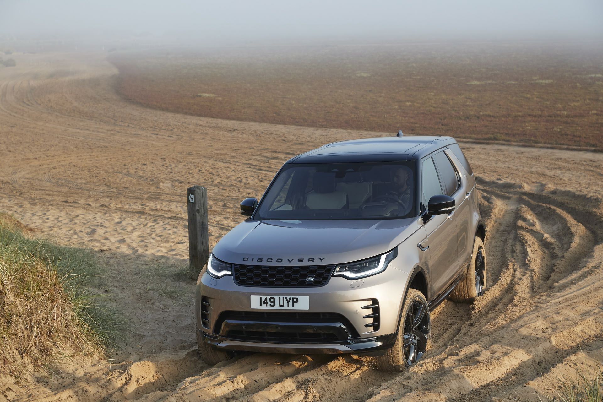 2021-Land-Rover-Discovery-34-1