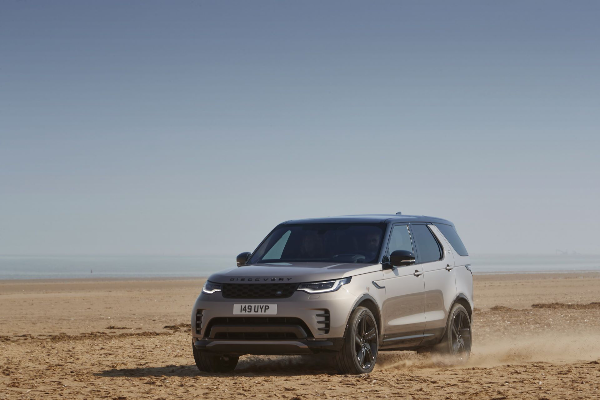 2021-Land-Rover-Discovery-35-1