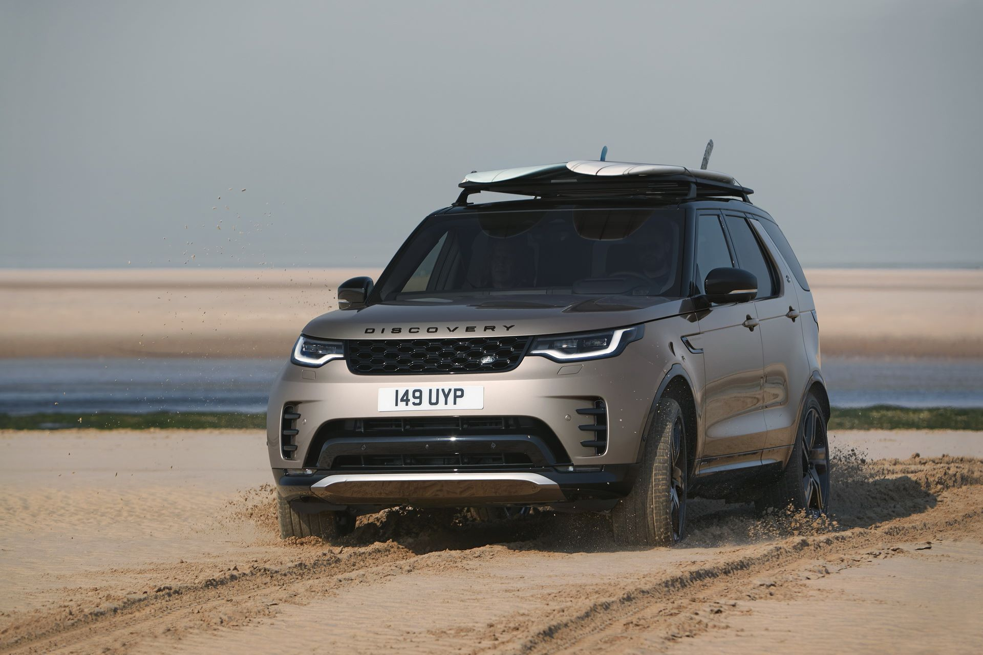 2021-Land-Rover-Discovery-37-1