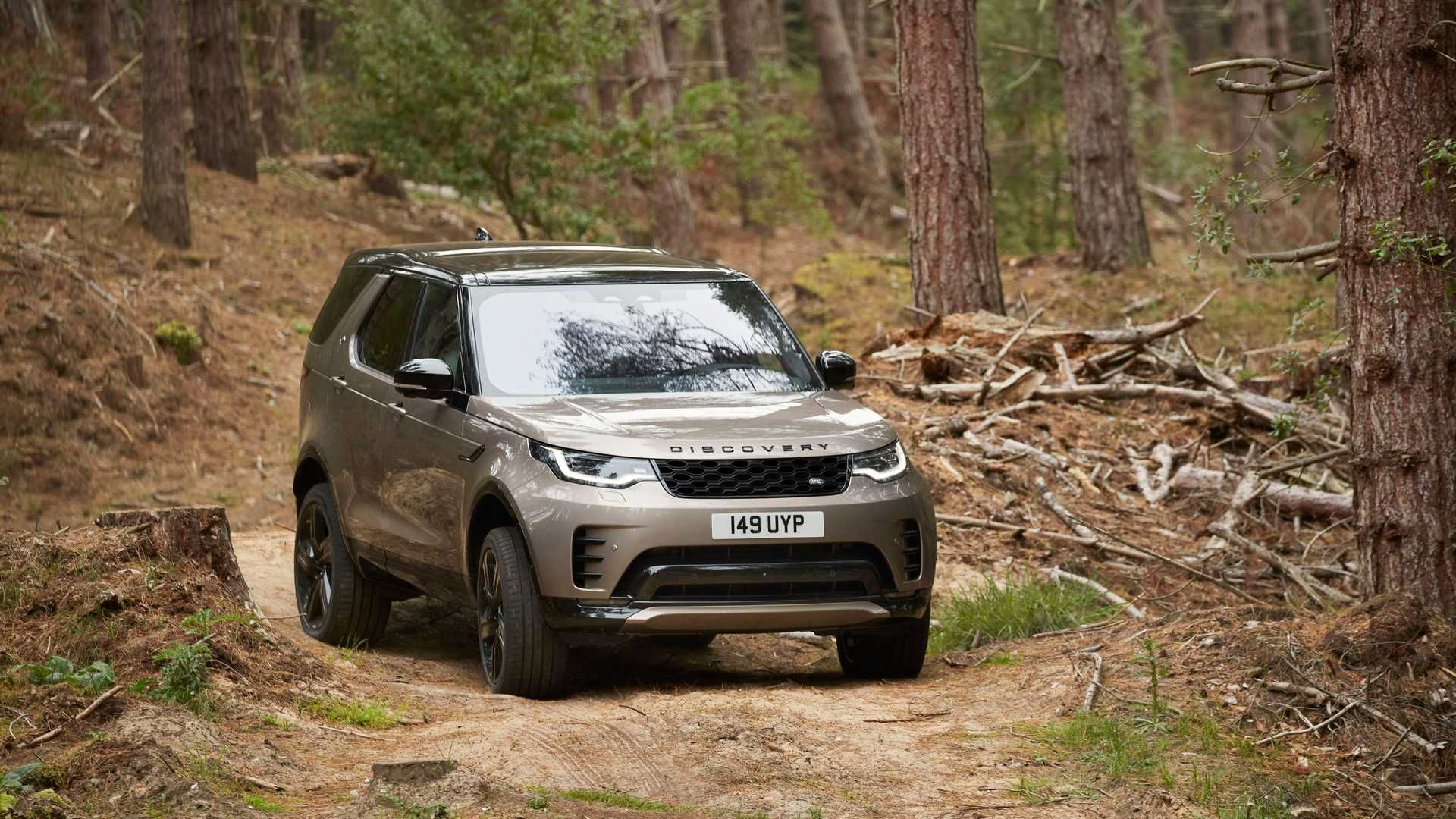 2021-Land-Rover-Discovery-37