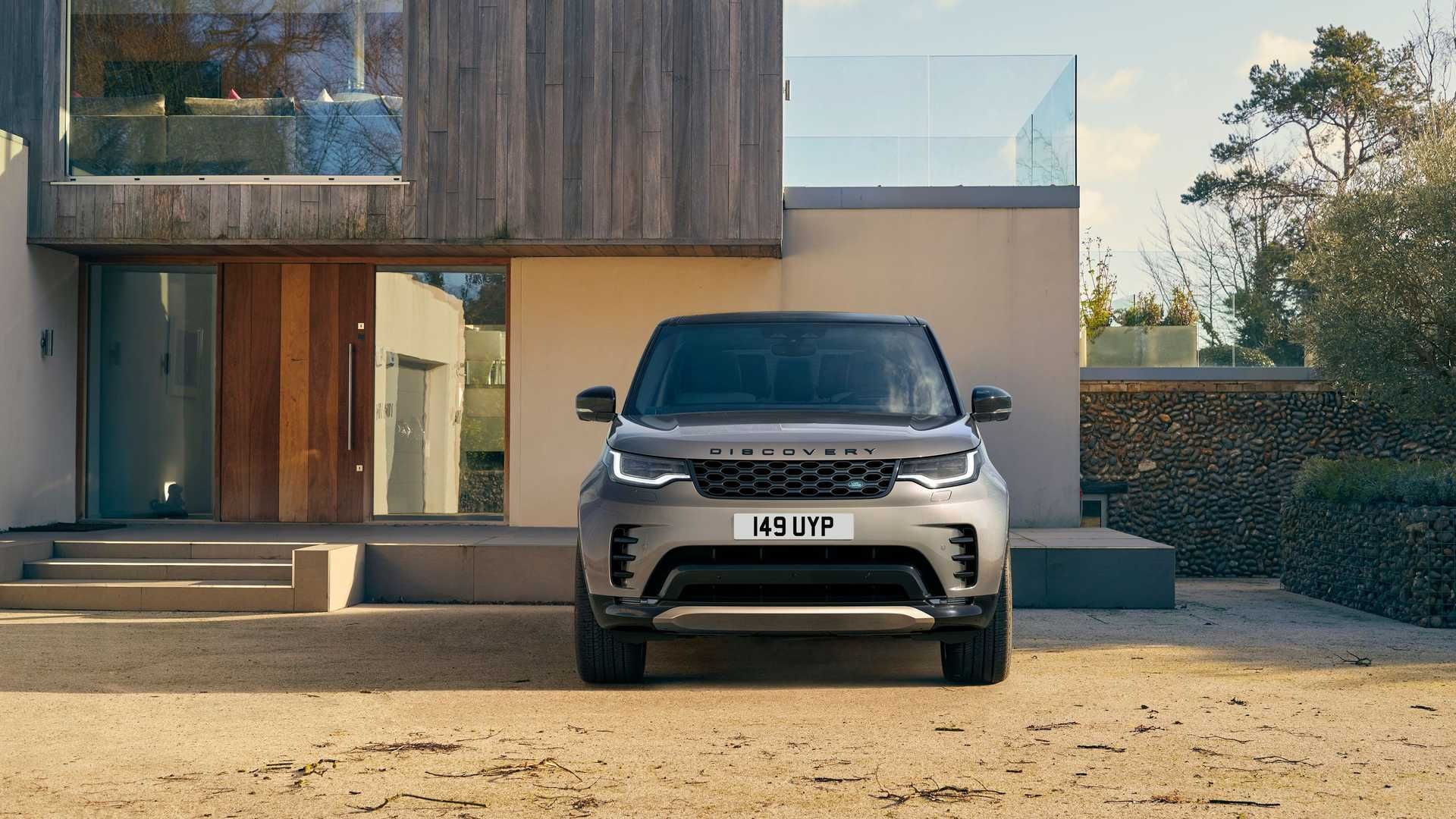 2021-Land-Rover-Discovery-38