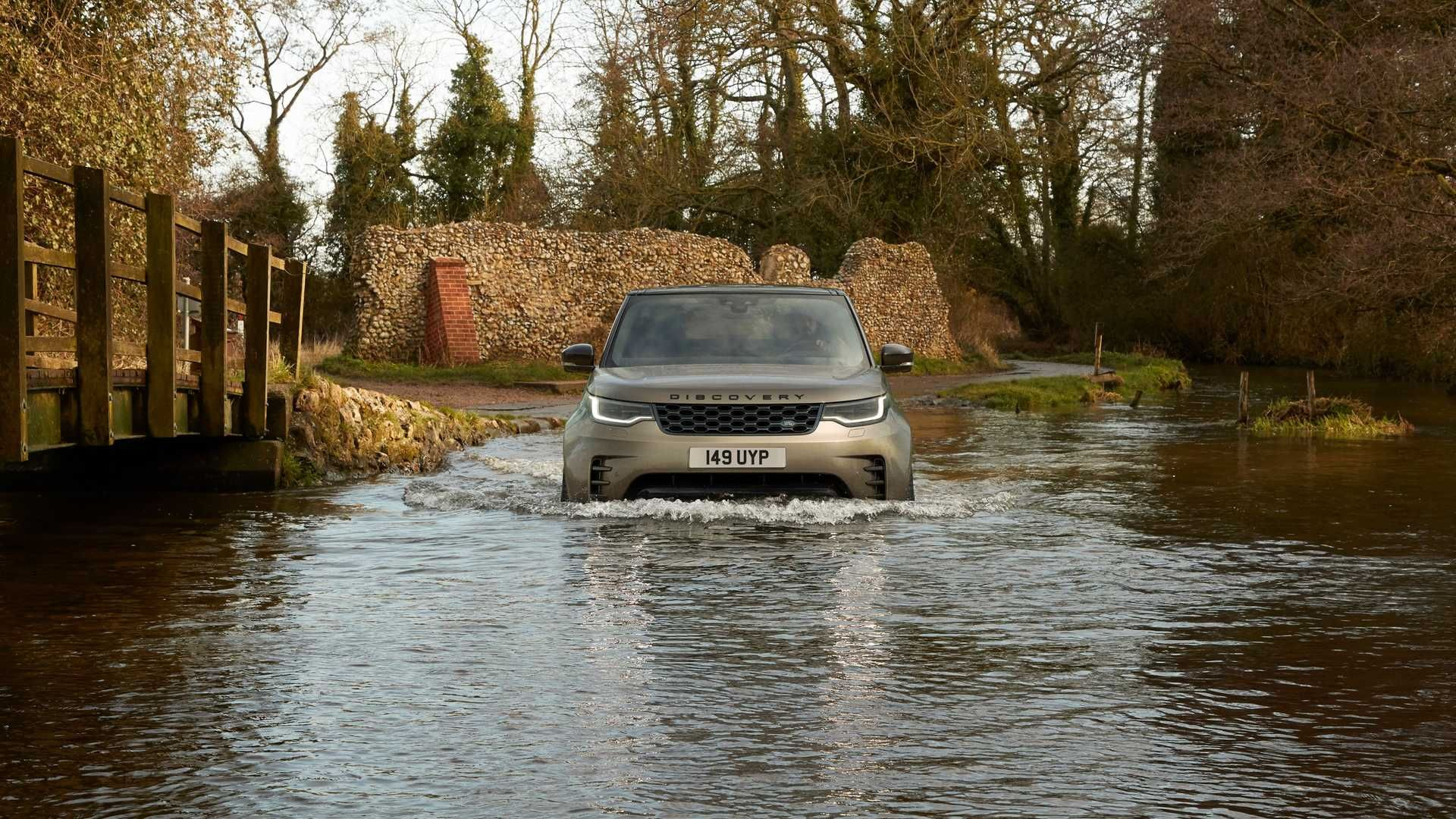 2021-Land-Rover-Discovery-39