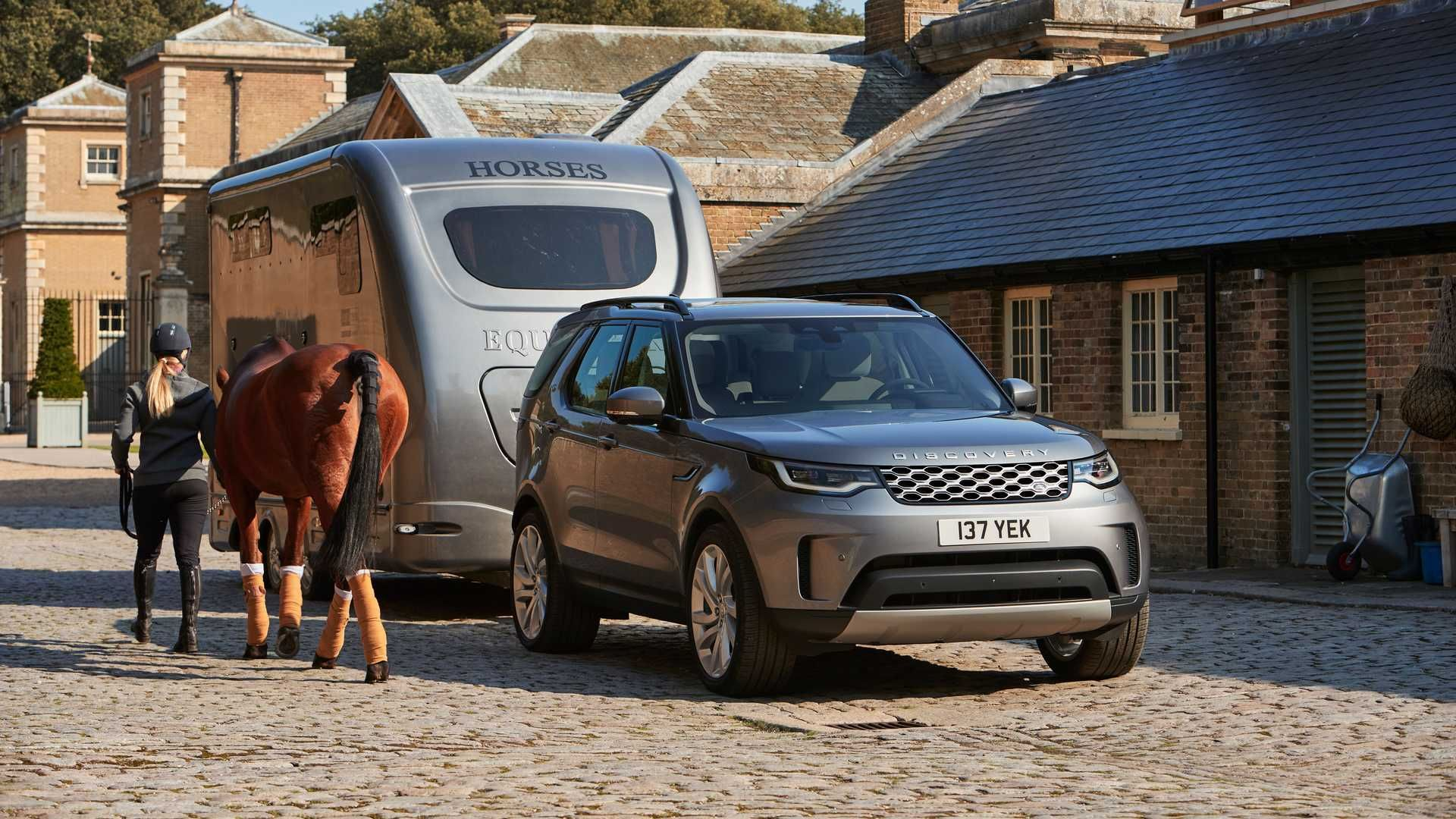 2021-Land-Rover-Discovery-6