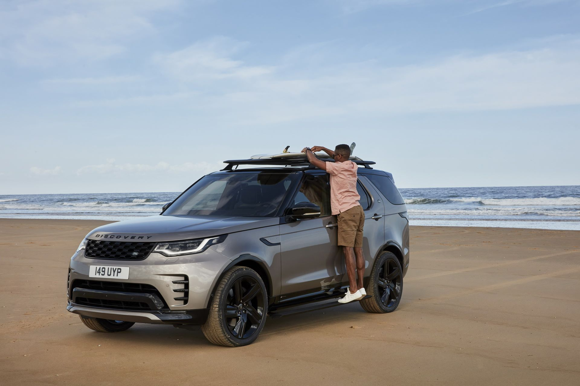 2021-Land-Rover-Discovery-79