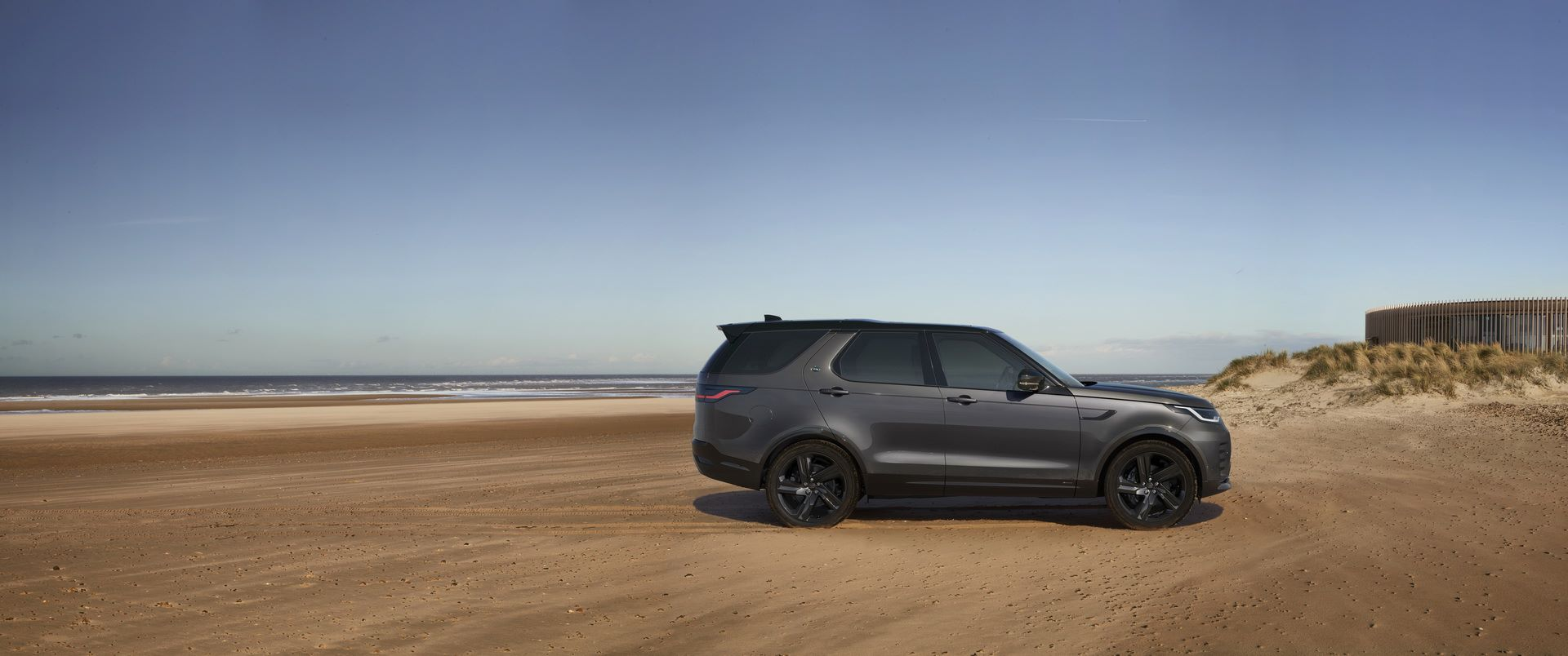 2021-Land-Rover-Discovery-81