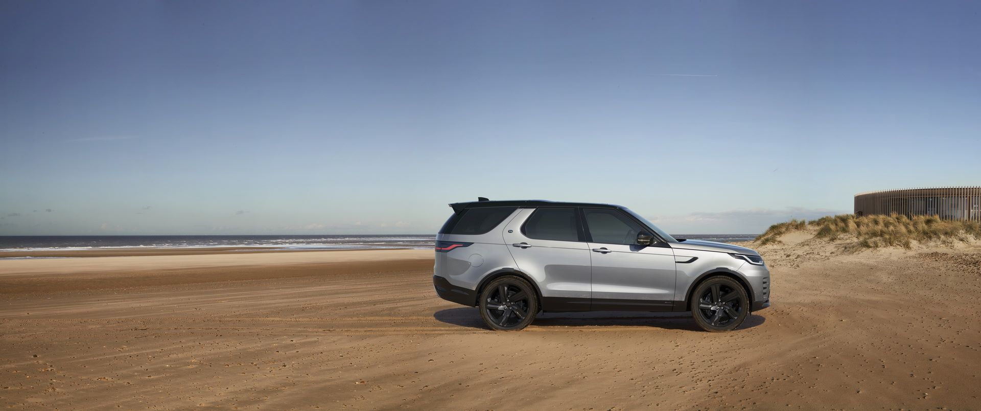 2021-Land-Rover-Discovery-82