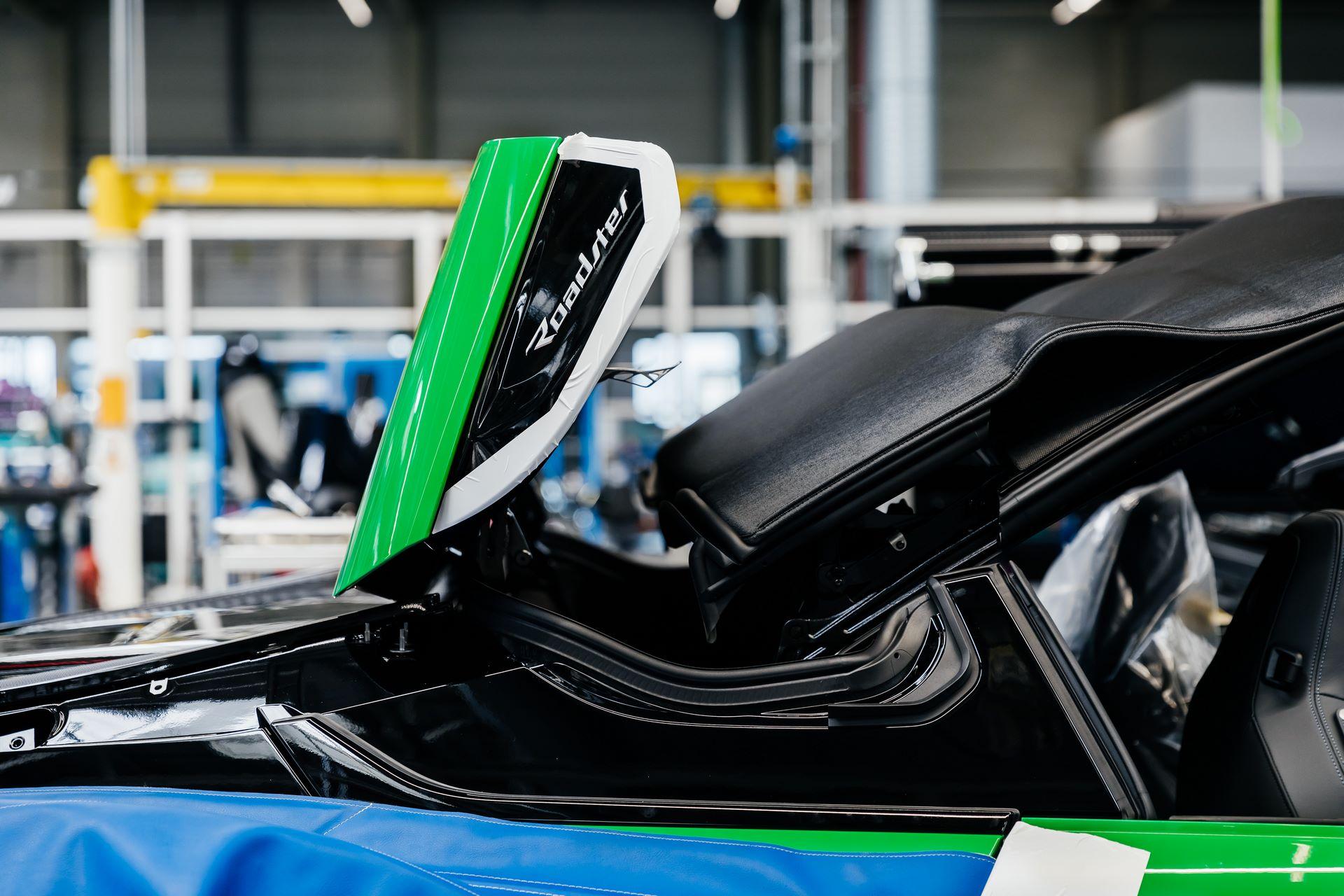 Last-18-BMW-i8-Roadster-plant-Leipzig-22