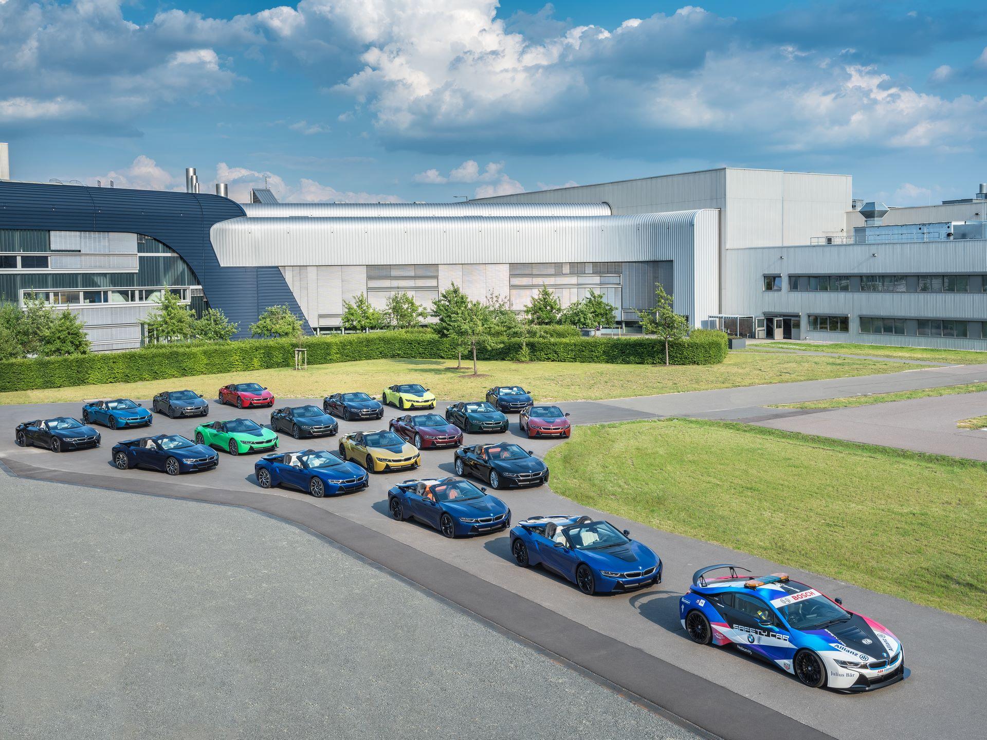 Last-18-BMW-i8-Roadster-plant-Leipzig-3