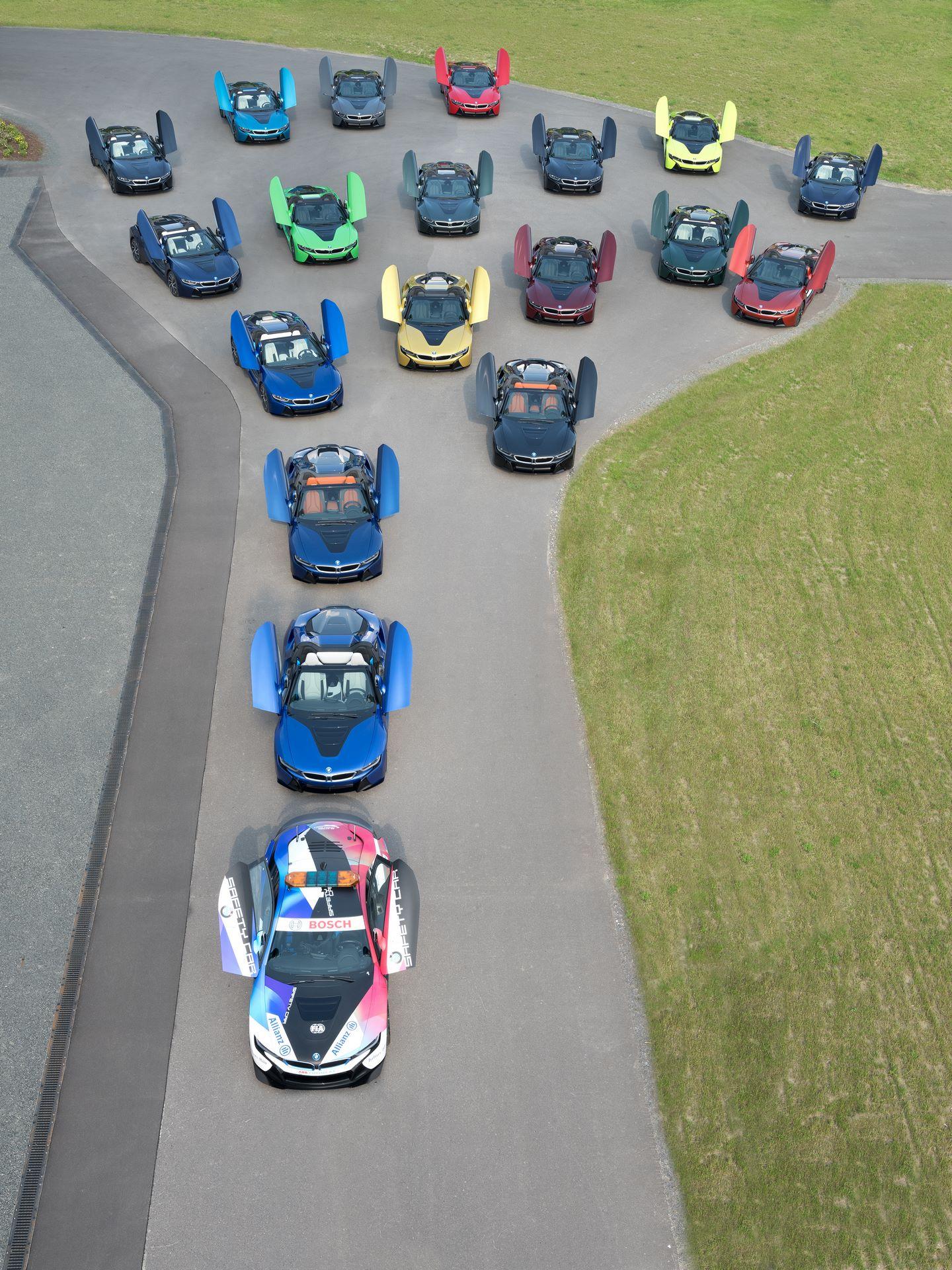 Last-18-BMW-i8-Roadster-plant-Leipzig-4