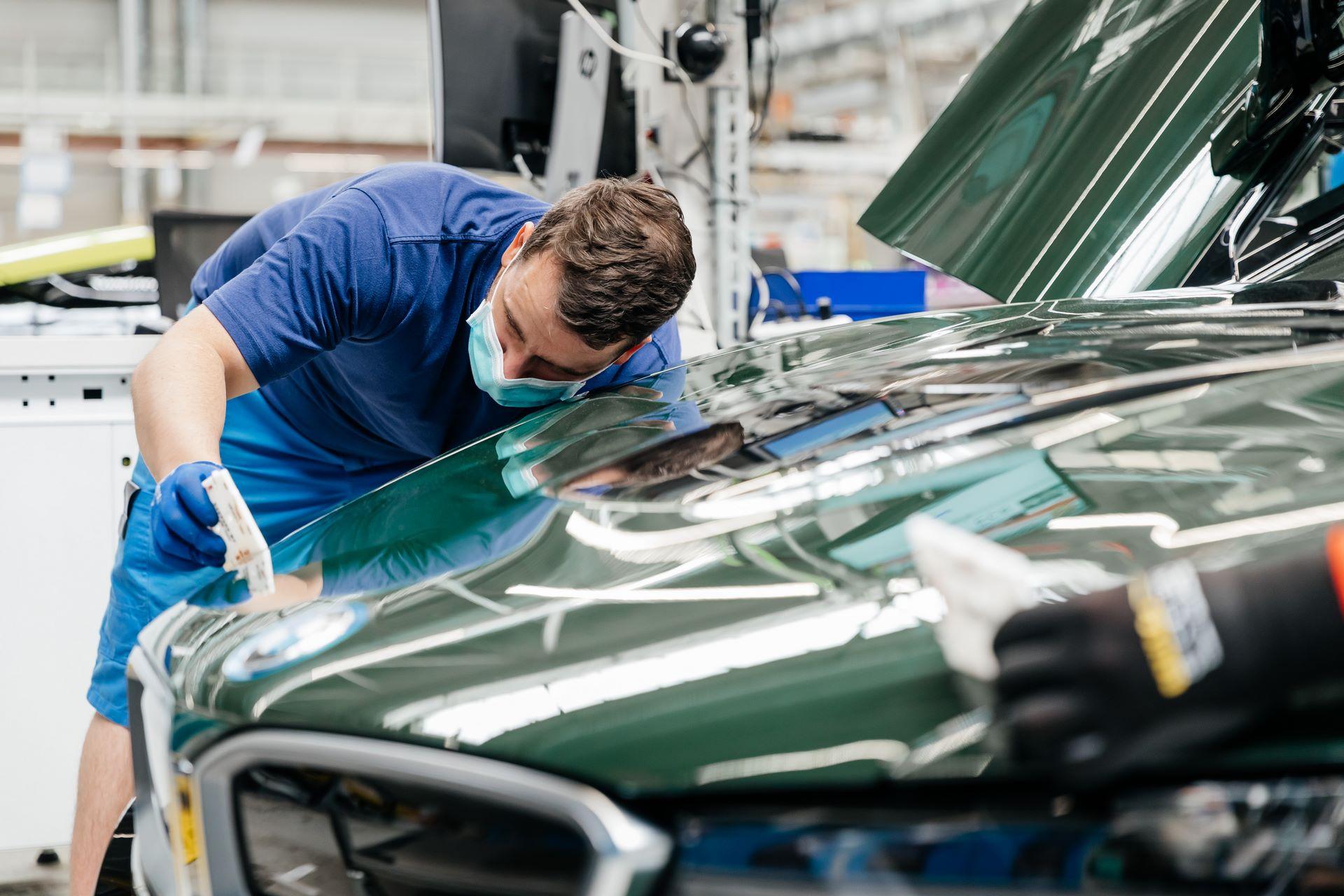 Last-18-BMW-i8-Roadster-plant-Leipzig-46