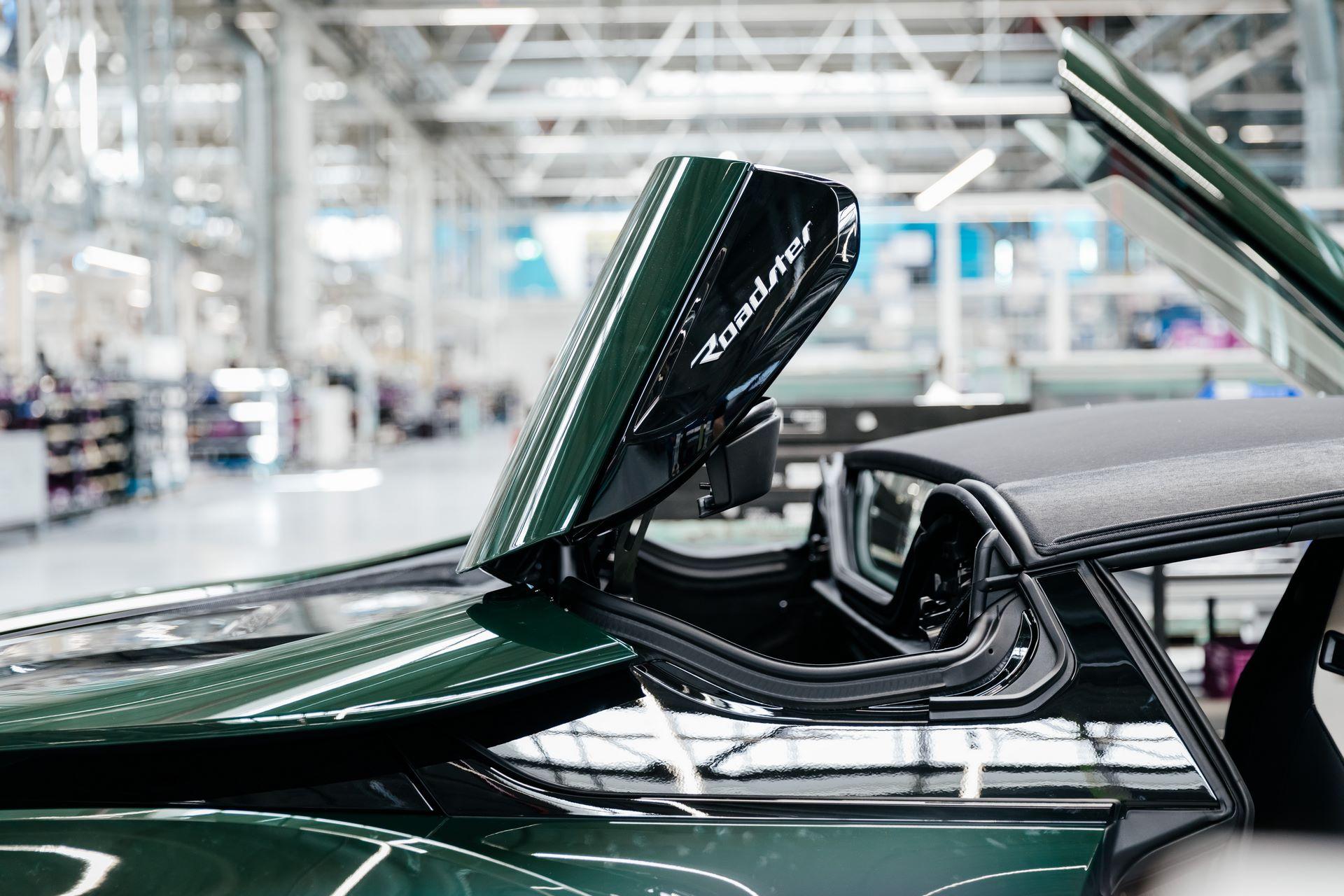 Last-18-BMW-i8-Roadster-plant-Leipzig-48