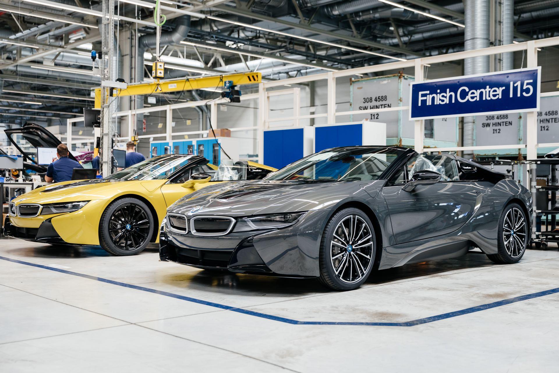 Last-18-BMW-i8-Roadster-plant-Leipzig-56
