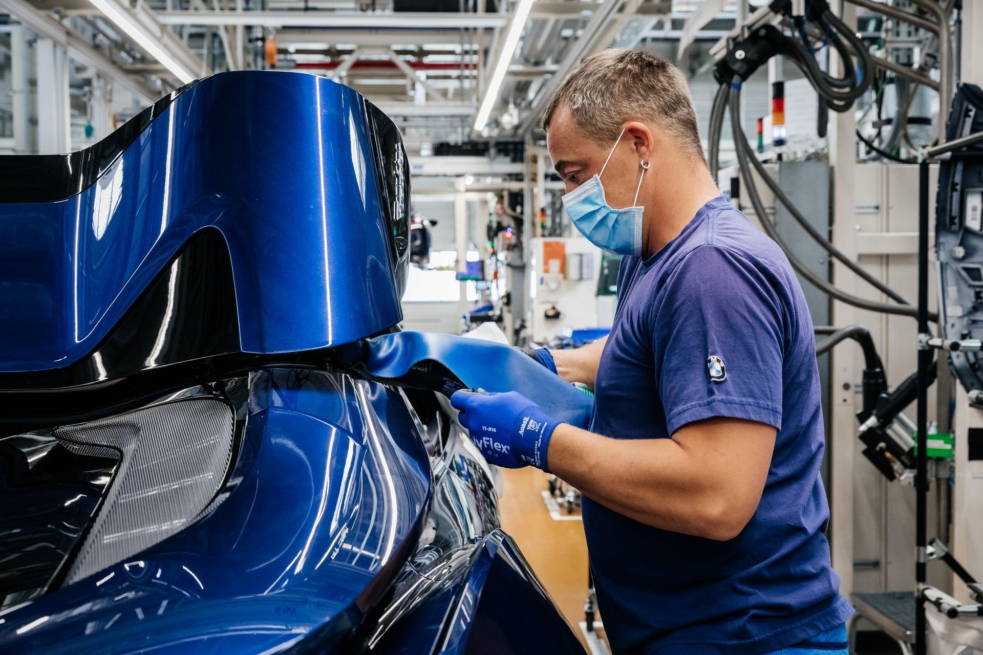 Last-18-BMW-i8-Roadster-plant-Leipzig-58